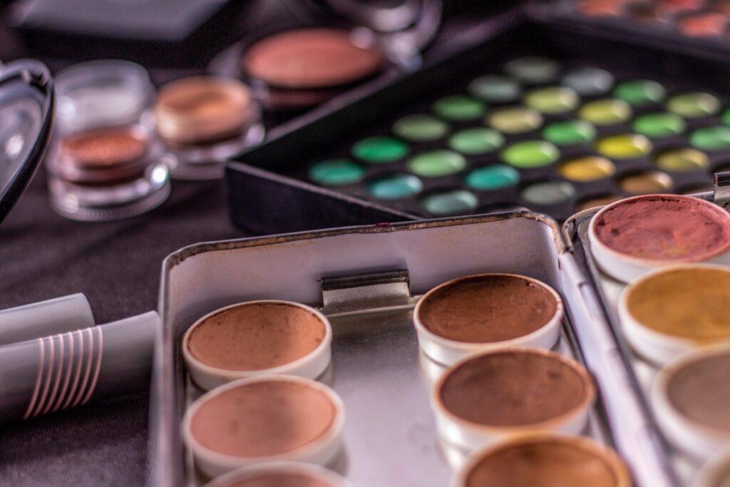 Make Up Stores